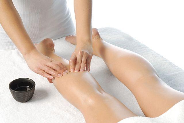 masaje de piernas cansadas